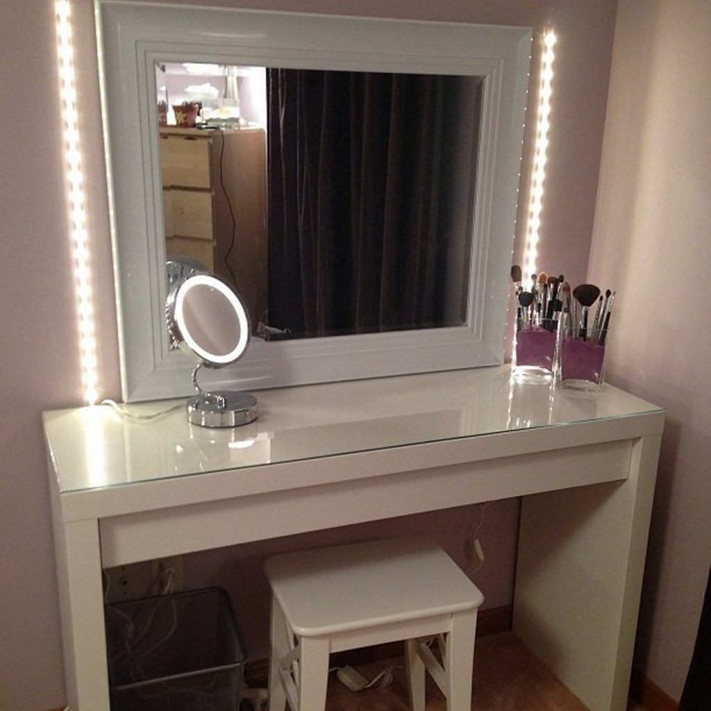 Broadway Lighted Vanity Makeup Desk | Hollywood Vanity Mirror with Lights | Hollywood Vanity Mirror with Light Bulbs