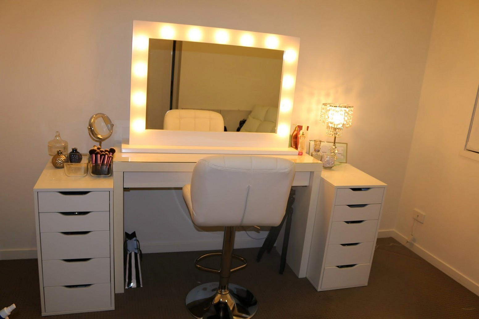 Broadway Makeup Mirror | Hollywood Vanity Mirror with Lights | Mirror Lighted Vanity