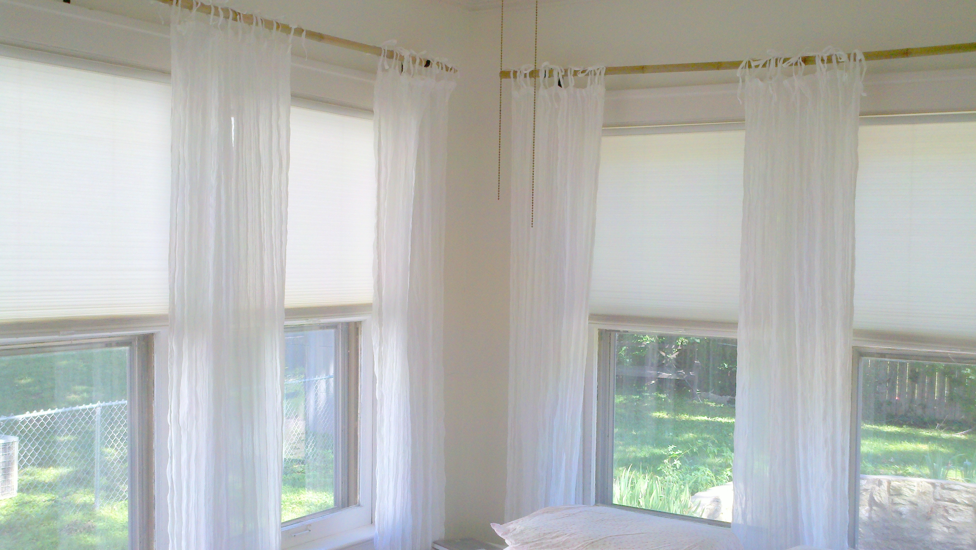 for a valances rods rod large curtains interesting bay b ideas hanging windows file unnamed curtain on gallery window has treatment