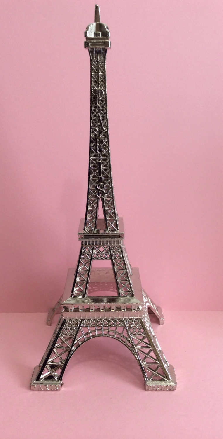 Eiffel Tower Flower Centerpieces | Eiffel Tower Centerpieces | Eiffel Tower Arrangements