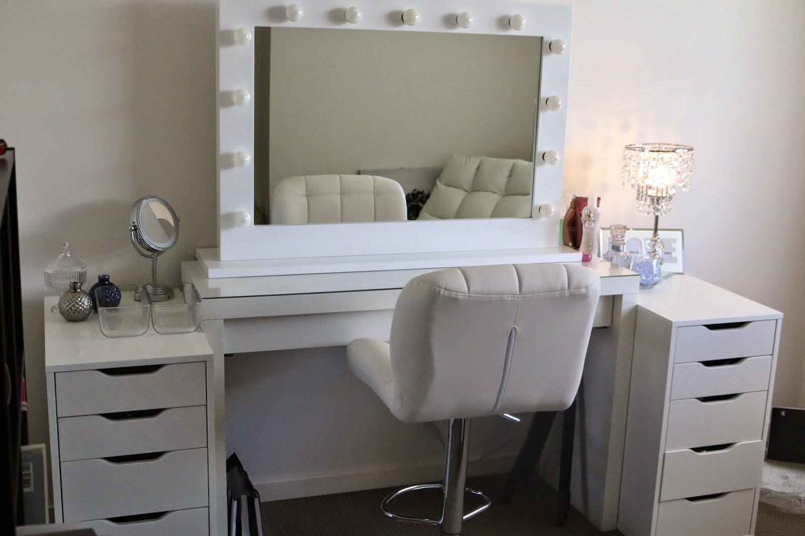 Hollywood Vanity Mirror with Lights | Vanity Table Lights Around Mirror | Hollywood Vanity Girl Mirror