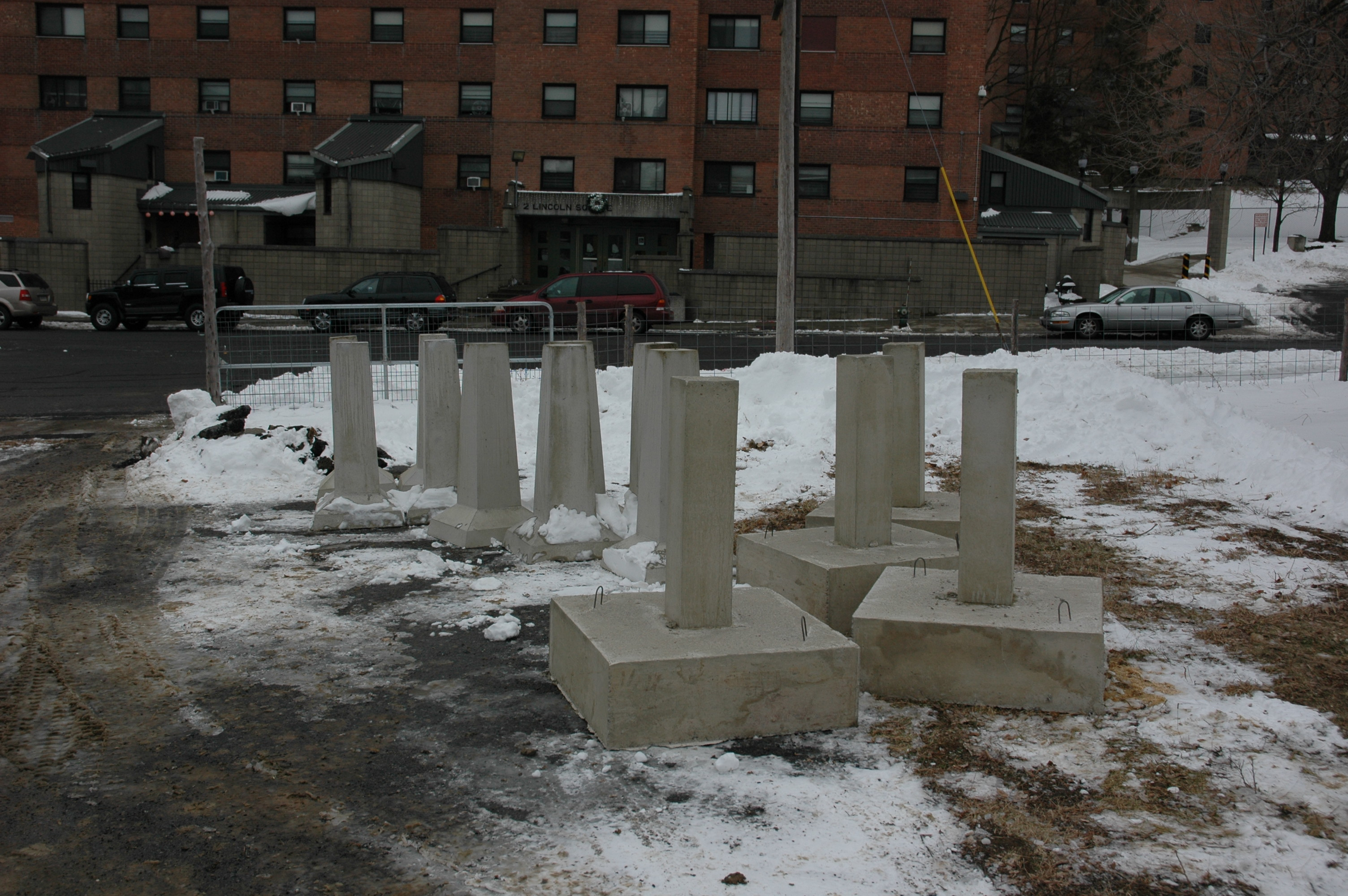 Precast Concrete Piers | Concrete Pier Block with Metal Bracket | Cement Piers