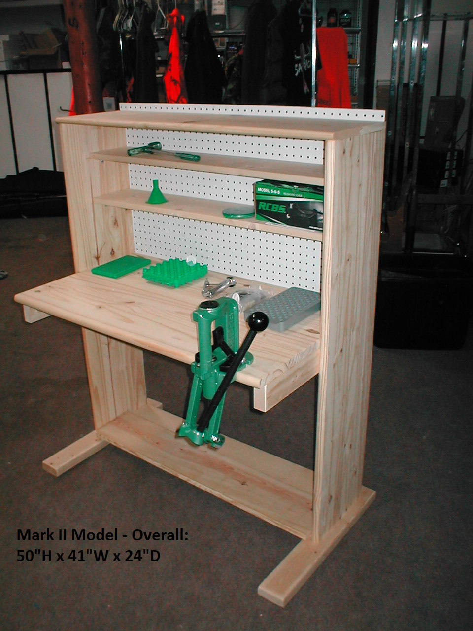 Reloading Benches | Reloading Bench Shelves | Free Reloading Bench Plans