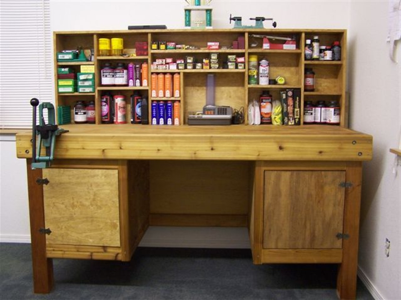 Reloading Benches for Workspace Room Furniture Design: Reloading Cabinet Plans | Reloading Table Ideas | Reloading Benches