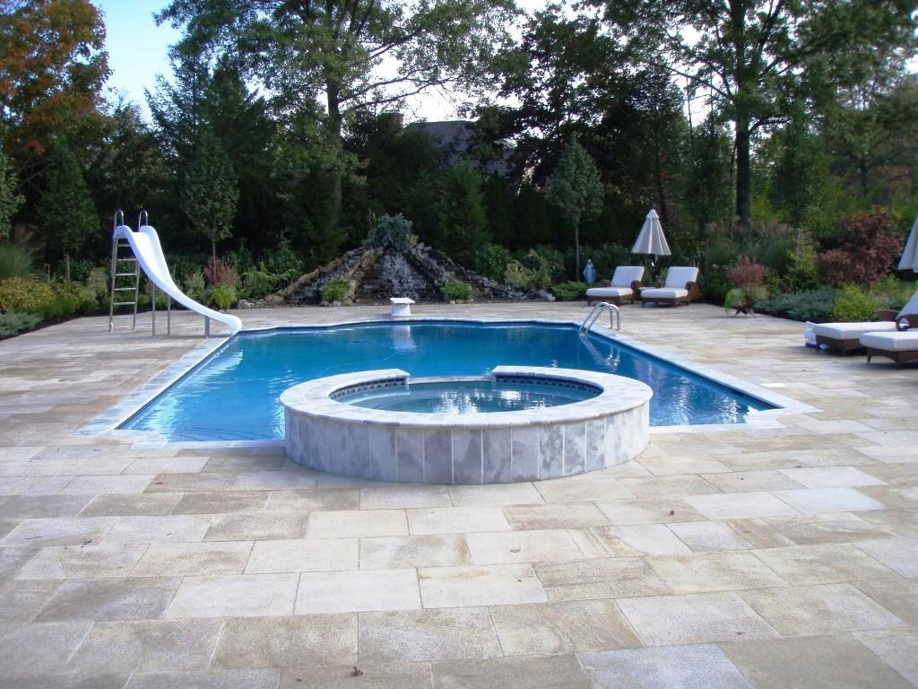 Ideas semi inground pool ideas for exciting backyard design for Cost of swimming pool installation inground