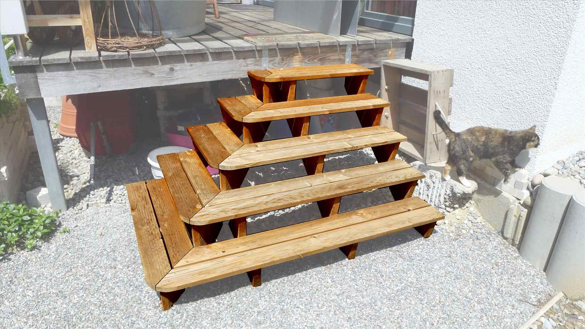 Build Deck Stairs | Build Your Own Staircase | How to Build Deck Stair Railing