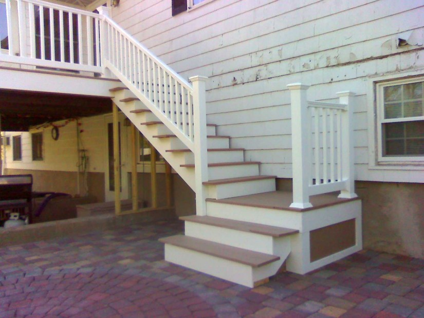 Build Deck Stairs | How To Cut Stair Stringers | How To Build Corner Deck Stairs