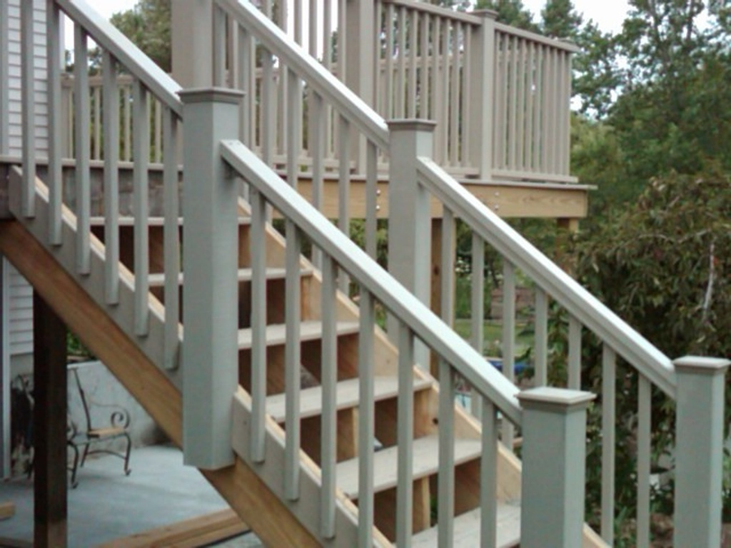 Build Deck Stairs with Landing | How to Build Deck Steps Without Stringers | Build Deck Stairs