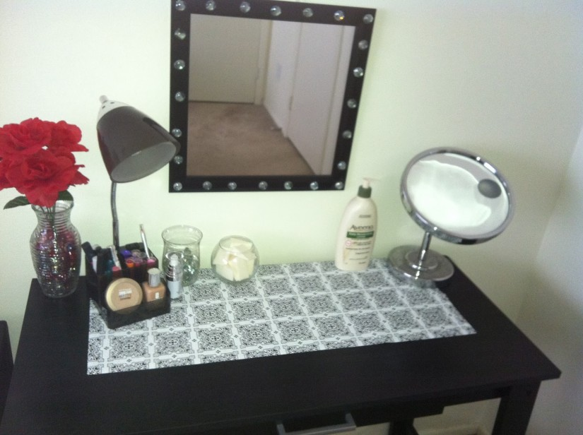 Lighted Wall Mirror | Wall Mounted Lighted Magnifying Mirror | Lighted Wall Mount Vanity Mirror
