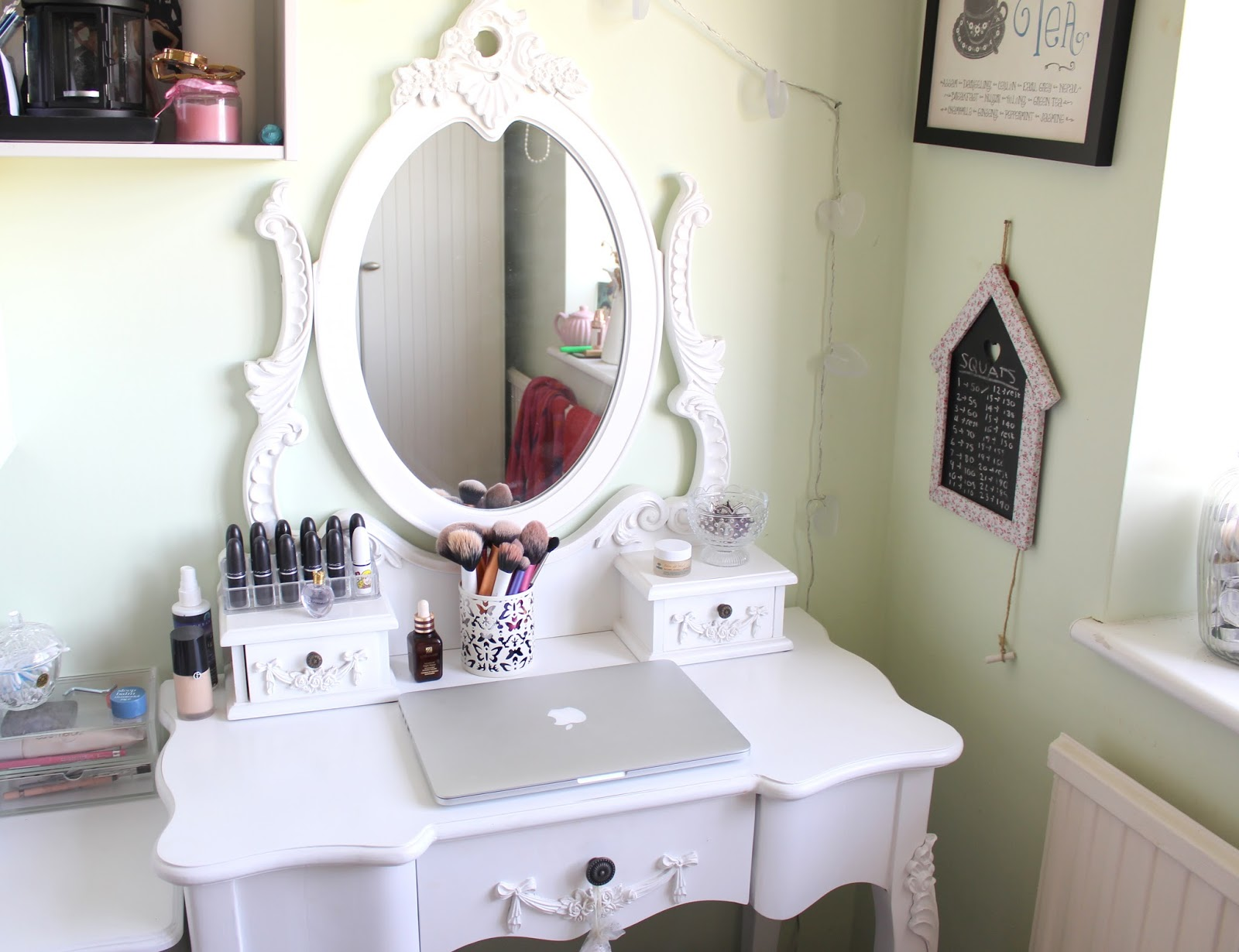 Makeup Vanity Set with Lights | Mirrored Makeup Vanities | Mirrored Vanity Set