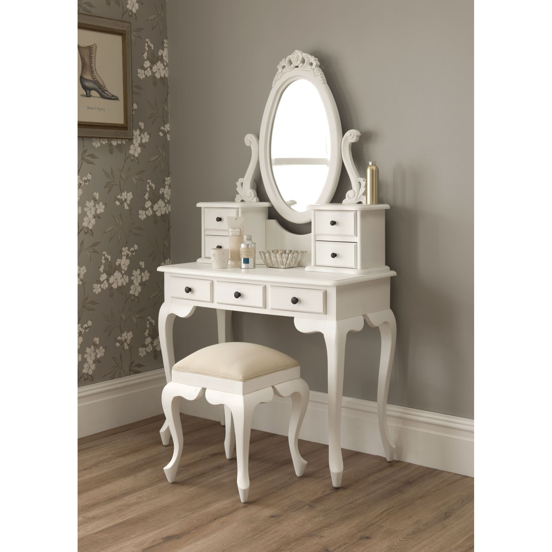 Mirrored Vanity Set for Elegant Bedroom Furniture Design: Mirror Glass Vanity | Discount Bedroom Vanity | Mirrored Vanity Set