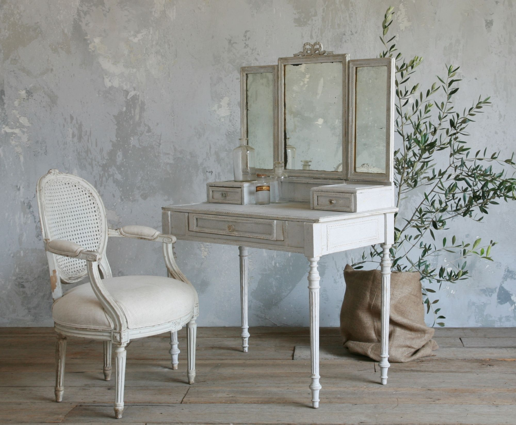 Mirrored Makeup Vanity | Mirrored Vanity Set | Dresser with Vanity Mirror