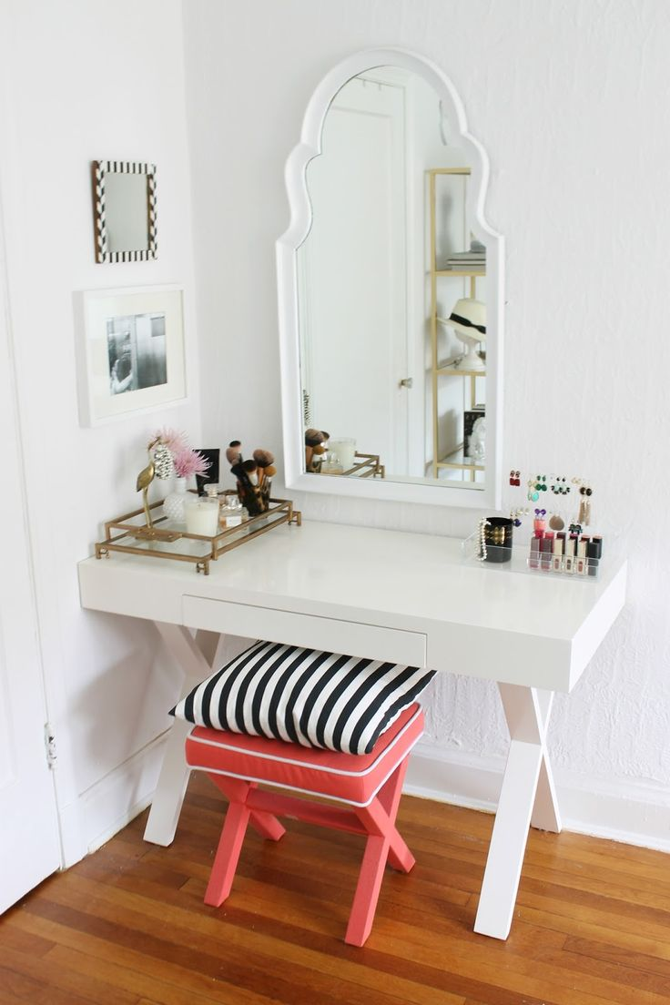 Mirrored Vanity Set for Elegant Bedroom Furniture Design: Mirrored Vanity Set | Mirrored Makeup Table | Mirrored Vanity Makeup Table