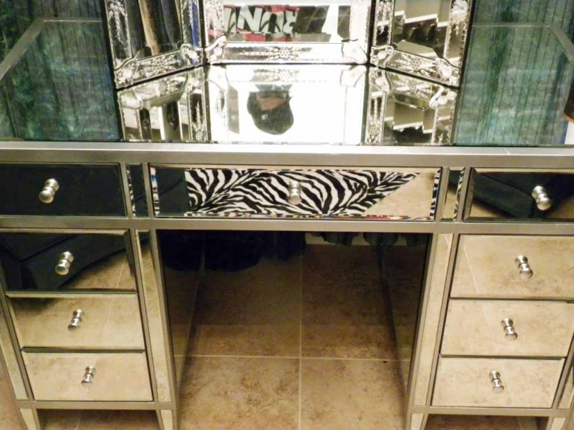 Mirrored Vanity Set | Tri Mirror Vanity Set | Mirrored Vanity Makeup Table