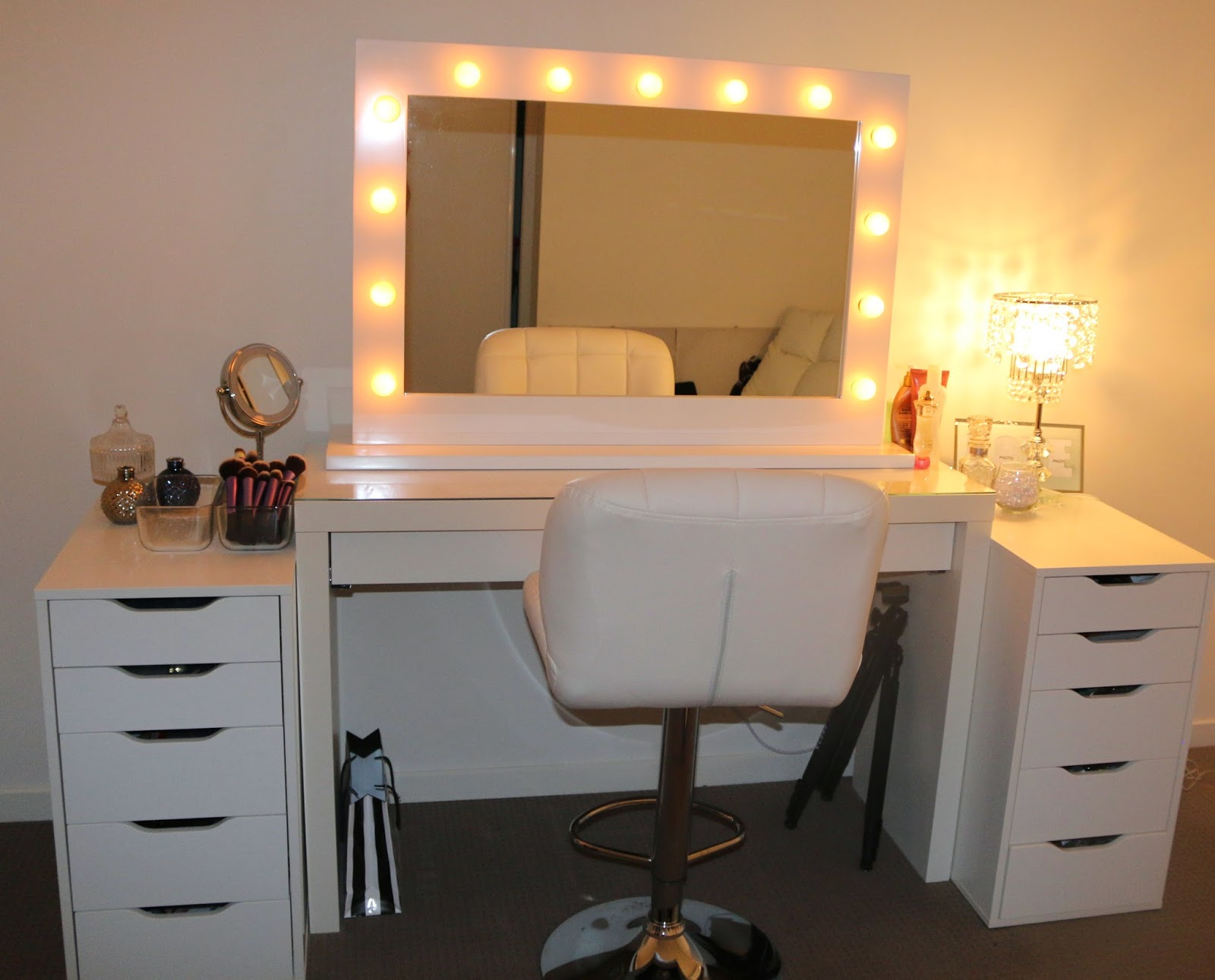 Mirrored Vanity Set | Vanity Mirror and Chair | Cheap Vanity Sets for Bedrooms