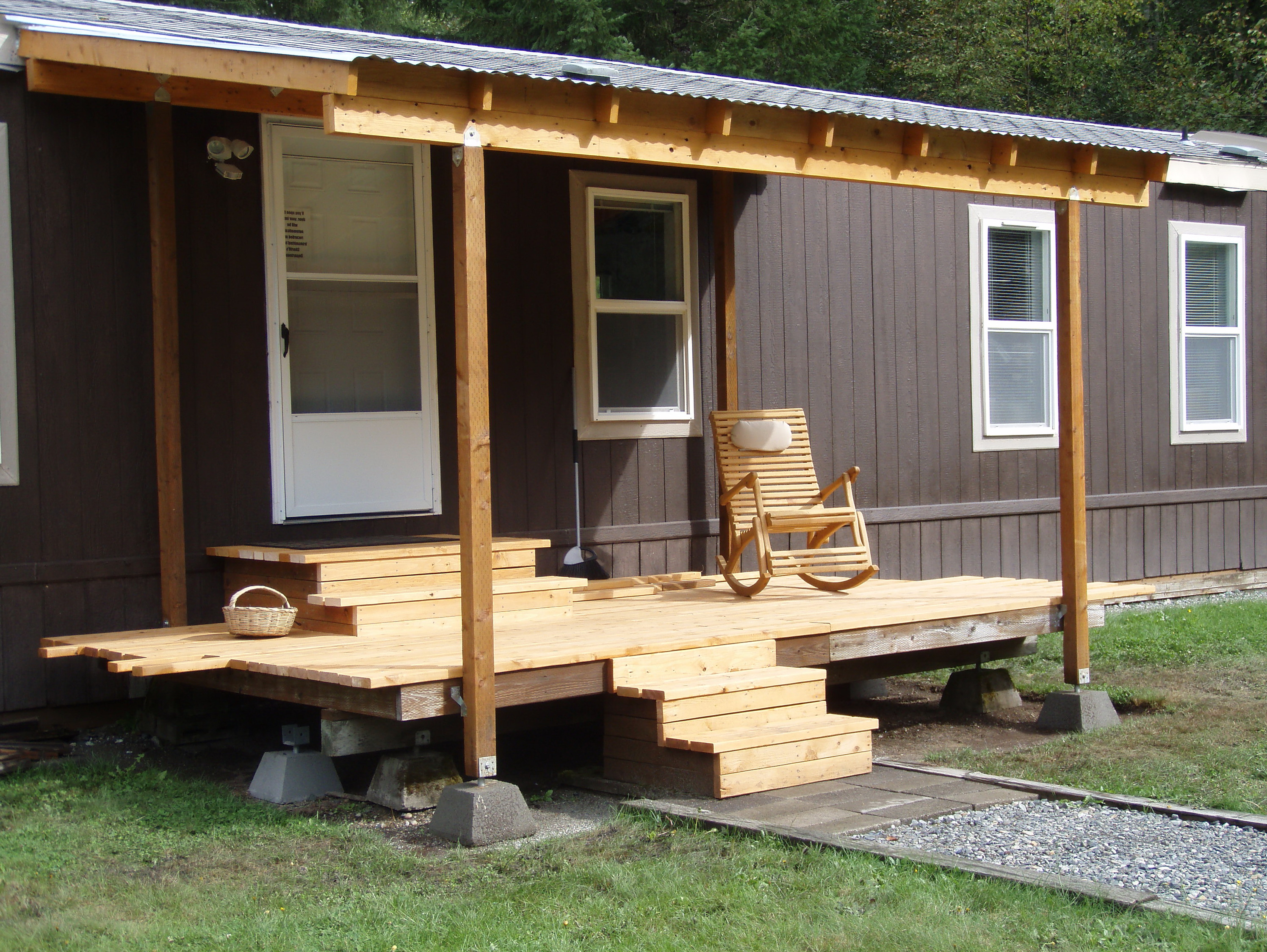 Inspiring Home Design Ideas with Mobile Home Porches: Mobile Home Porches | Mobile Home Entrance Steps | Mobile Home Porch Ideas