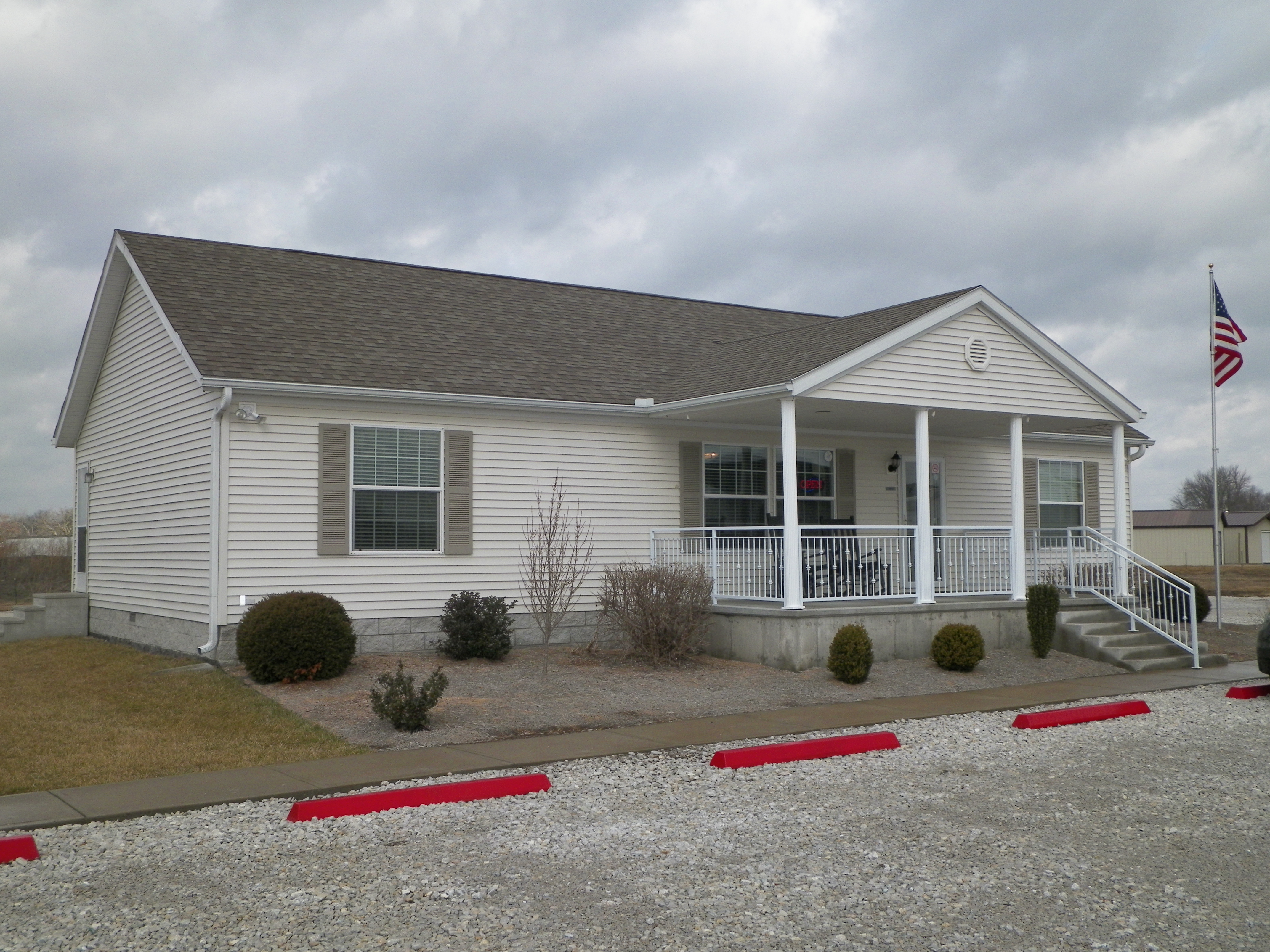 Mobile Home with Front Porch | Porch Steps for Mobile Home | Mobile Home Porches